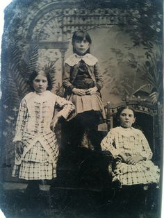 Greenhouse girls by smokey lace, via Flickr