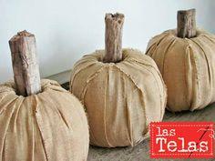Se acerca la fiesta de #halloween, así que por qué no animaros a decorar unas fabulosas #calabazas con #telas, os dejamos algunos ejemplos para que vayais tomando ideas.