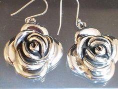Flower shape Earrings - Elizabeth Neubert Je... | Scott's Marketplace