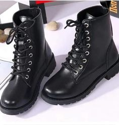 Aesthetic Shoes, Cute Boots, Dream Shoes, Trendy Shoes, Black Ankle Boots, Fashion Boots, Hijab Fashion, Girls Shoes, Me Too Shoes
