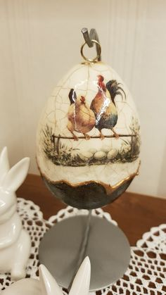 Egg Crafts, Easter Crafts, Diy And Crafts, Easter Egg Basket, Easter Eggs, Faux Painting, Stone Painting, Egg Art, Roosters