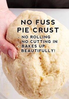 No Fuss Pie Crust Recipe – the best pie crust recipe that is super easy. No Fuss Pie Crust Recipe – the best pie crust recipe that is super easy. Köstliche Desserts, Delicious Desserts, Yummy Food, Plated Desserts, Non Dairy Desserts, Desserts Caramel, Caramel Pecan, Pie Crust Recipes, Best Pie Crust Recipe