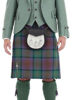 Traditional 8 Yard Kilt - Isle of Skye Modern Tartan Kilt Wedding, Tartan Wedding, Mens Casual Work Clothes, Work Casual, Black Kilt, Le Kilt, Men In Kilts, Kilt Men, Tartan Kilt