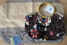 Dollar Store Crafts » Blog Archive » Make a Pleated Placemat Handbag With Tutorial