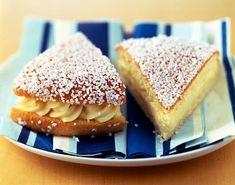 Torta rellena con crema pastelera