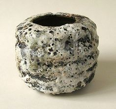 This stoneware pot was made by Aki Moriuchi either at her Barnet or Edgware studio,  anytime from 1991 up until she stopped potting early in 2007.