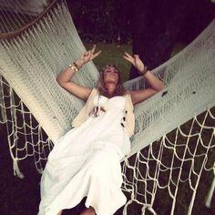 peace, crochet and hammocks Life is a Hammock Happy Hippie, Hippie Love, Hippie Style, Girl Inspiration, Photoshoot Inspiration, Estilo Hippy, Hair Flow, In Another Life, Boho Gypsy