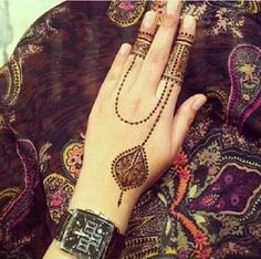 henna chains on finger and hand