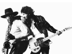 Bruce Springsteen - Born To Run (1975) From a photo of Springsteen leaning against saxophonist Clarence Clemons. Sample