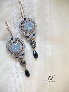 Azur - Anneta Valious