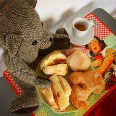 Yes! He's in Italy!!! #tweedyted enjoys his ample continental breakfast and #lavazza coffee, a bear sized cuppa #italia #lucca
