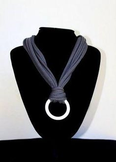 T Shirt Necklace.must be one with NO seams for long loops (and a washer from the hardward store?) would make a nice breastfeeding necklace Scarf Necklace, Fabric Necklace, Scarf Jewelry, Textile Jewelry, Fabric Jewelry, Diy Necklace, Scarf Rings, Necklace Tutorial, Fabric Beads