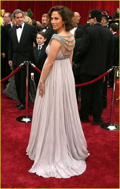 Famous Stars Luxury Red Carpet Celebrity Dresses Scoop Beaded Collar Draped Empire Pregnant Dress Maternity Evening Formal Gowns Sweep Train (3)_conew1