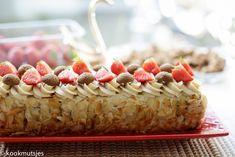 Speculaastaart (no bake) | Kookmutsjes Raspberry, Strawberry, High Tea, No Bake Cake, Cereal, Deserts, Food And Drink, Cookies, Baking