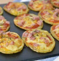 Patatas pizza - Arch Tutorial and Ideas No Cook Meals, Kids Meals, Easy Meals, Baby Food Recipes, Snack Recipes, Snacks, Tapas, New Pizza, Pizza Pizza
