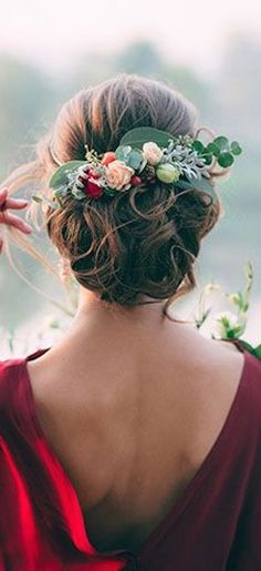 Betty: This is the inspiration for hair style, but not these colors and fewer large flowers (rather than many small ones). I do like the green on the foliage though.