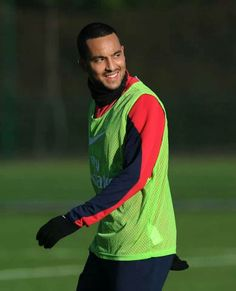"Allow me to translate this look: ""What kinda ball was that, mate?"" Walcott In Training Ahead of Match vs Newcastle 2013-2014."