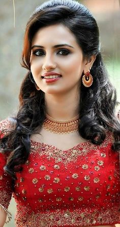 Beautiful Girl Indian, Most Beautiful Indian Actress, Beautiful Girl Image, Beautiful Actresses, Most Beautiful Women, Beauty Full Girl, Beauty Women, Estilo Kylie Jenner, Stylish Girl Images