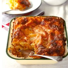 This butternut lasagne with roasted tomatoes is sure to be a winner at the dinner table Side Recipes, Paleo Recipes, Cooking Recipes, Yummy Recipes, Veggie Dishes, Pasta Dishes, Lasagne Recipes, Vegetarian Cooking, Roasted Tomatoes