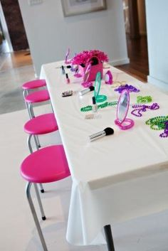"@Leslie Alvarado.. This is the best idea, I""ve seen!!! Haha little girls party idea: hair & makeup"
