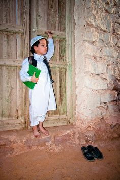 Young child in traditional dress ~ Sabha, Republic of Libya, North Africa [photo by Mansour Ali, Libya]....