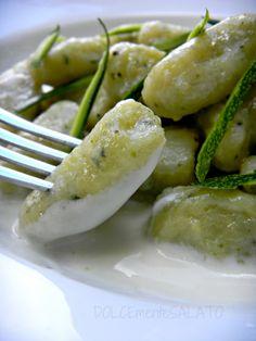 DOLCEmente SALATO: Gnocchi di zucchine con fonduta tiepida di losa