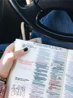 Bible Study Notebook, Bible Study Journal, Bible Notes, My Bible, Bible Art, Bible Verses Quotes, Bible Scriptures, Cute Bibles, Bibel Journal