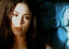 """#DóndeEstásCorazón es una canción pop escrita y cantada por la cantautora colombiana Shakira, lanzada como primer sencillo de su disco Pies descalzos (1995). La canción llego a ser #1 en mas de 7 países. A la vez """"¿Dónde Estás, Corazón?"""" fue la primera canción en interpretar en el """"Tour Anfibio"""" durante el 2000. En la red social YouTube, en el canal oficial de Shakira, el vídeo oficial de la canción cuenta con mas de 17.1 millones de reproducciones.  Esta canción apareció primeramente en un…"""