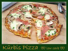 Kürbis Pizza low carb Und noch ein Pizza-Rezept :-) Im Gemüse verstecken bin ich ja mit den Jahren schonwegen meiner Kinder sehr erfinderisch geworden. In dieser Pizza verstecken sich nun 2…