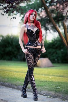 me loves that look - hairs perfect and those leather patterned lace bottoms are just sooo lush xxxx Goth Beauty, Dark Beauty, Dark Fashion, Gothic Fashion, Steampunk, Victorian Goth, Goth Women, Metal Girl, Hot Outfits