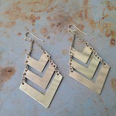 NWT Triangle Gold Dangle Earrings So pretty! Boutique Jewelry Earrings