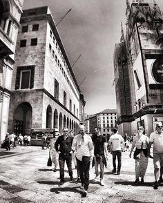 Street. Milan Italy.  #milan #milano #milano_bnw #igersmilano #ig_milano #milanodavedere #milanodaclick #bellamilano #visitmilano #vivo_milano #loves_milano #italy #italia #bnw #bnw_captures #bnw_rose #bnw_planet #bnw_lombardia  #bnw_greatshots #bnw_society #bnw_life #bnw_demand  #amateurs_bnw #rsa_bnw #the_bestbw #photooftheday #street #people #walking #architecture by milano_bnw