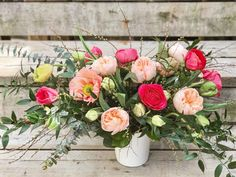 Summery peachy and pink flower arrangement 🍑🌺. 🎬 take 2 The life of an Oakville Florist. Mother's Day Flowers. FREE delivery in Oakville. Pink Flower Arrangements, Garden Roses, Spring Flowers, Free Delivery, Floral Wreath, Wreaths, Life, Collection, Bouquet
