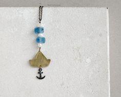 Collana barca ottone e ancora, bianco e azzurro di PetiteFraiseHandmade su DaWanda.com