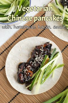 Vegetarian Chinese pancakes with homemade hoisin sauce - an easy vegan version of the Chinese buffet favourite, with a homemade sauce! Vegan Entree Recipes, Vegetarian Chinese Recipes, Vegetarian Pasta Dishes, Veggie Recipes Healthy, Yummy Veggie, Vegetarian Entrees, Vegan Dishes, Side Dish Recipes, Vegetarian Buffet