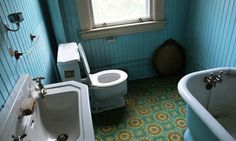 Avocado-green tiles in the bathroom. Old shag carpeting. All are symptoms of a house that exists in a time warp. Avocado Bathroom Suite, Green Tiles, Cottage Living Rooms, Shag Carpet, Time Warp, Inspired Homes, Home Organization, My Dream Home, Home Improvement