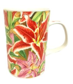 Now available at Tucson Tiques Collectibles: This beautiful tea or coffee mug for women. This is a Dunoon bone china mug. Vintage Coffee Cups, Unique Coffee Mugs, Antique Collectors, Antique Stores, Lily Valentine, Valentines, Vintage Gifts, Etsy Vintage, Asian Lilies
