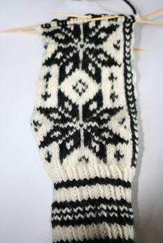 Diy Crafts Knitting, Knitted Hats, Knitting Patterns, Wool, Gloves, Knit Patterns, Knitting Stitch Patterns, Loom Knitting Patterns, Knit Hats