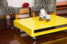 Pallet style coffee table - yellow | Miss Lolo