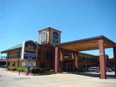 Garland (TX) Quality Inn & Suites - Garland United States, North America Ideally located in the prime touristic area of Garland, Quality Inn & Suites - Garland promises a relaxing and wonderful visit. The hotel has everything you need for a comfortable stay. Take advantage of the hotel's 24-hour front desk, Wi-Fi in public areas, car park, meeting facilities, business center. Each guestroom is elegantly furnished and equipped with handy amenities. The hotel's peaceful atmosphe...