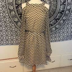 (A41) Forever 21 Chevron Off the Shoulder Dress Amazing summer dress! Front has a high neckline and off the shoulder sleeves, back has an open back and a triable bow from the neckline on the front. ♡Please ask any questions! ♡Measurements and modeling available.  ♡Smoke free, pet friendly home.  ♡Please use the offer button to make offers! ♡NO TRADES! Forever 21 Dresses Mini