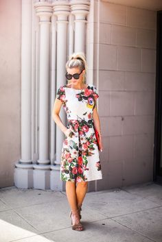 Floral dress with pockets for spring.