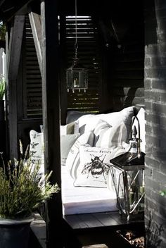 Could definitely enjoy a cocktail on this little apartment patio. #outdoors
