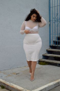 Plus Size Fashion - Nadia Aboulhosn