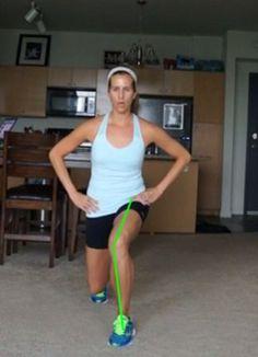 How to resolve runners knee pain - tips for fixing knee drift from weak hips Knee Arthritis, Rheumatoid Arthritis, Runners Knee Pain, Runners Knee Stretches, Knee Pain Exercises, Hip Problems, Runner Problems, Exercises