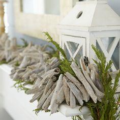 COASTAL CHRISTMAS DRIFTWOOD GARLAND