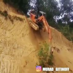 repost from @safetyfirst #auto #wheels #work #dirt #Махачкала#loader #interesting #heavyequipment #caterpillar #unusual #technique #engineering #construction #grader #professional #builders #excavator #bulldozer #Интересно #goodwork #idea #team #work #goodjob #equipment #motorgrader #road #Дагестан #Каспийск #profi#asphalt
