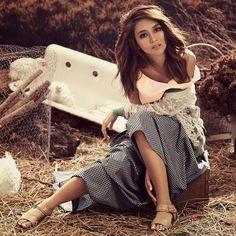 show them you're fierce /kathryn bernardo Filipina Actress, Filipina Beauty, Daniel Padilla, Kathryn Bernardo, Child Actresses, Celebs, Celebrities, Girl Crushes, Woman Crush