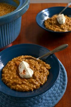 Pumpkin Pie Steel Cut Oats in the Crockpot - I AM DYING, I want these!