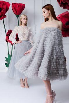 Блуза «Миа» — 16 990 рублей, Юбка-пачка — цена по запросу, Платье «Пирожное» — Цена по запросу